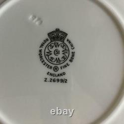 25 PC Royal Worcester SNOW White Z2699/2 Platinum Trim Place Settings for 5