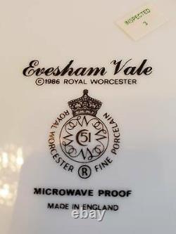 30 Pcs Royal Worcester Evesham Vale Salad Bread Plates Cups Saucers Green Trim
