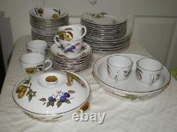 43 Pc Set Royal Worcester EVESHAM Fruits Corn Gold Trim Plate Serving Bowl For 7