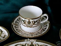 5 Pc Royal Worcester Windsor Discontinued Green Urns & Gold Trim Place Setting