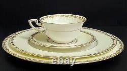 ANTIQUE ROYAL WORCESTER GOLD LAUREL CREAM AND WHITE 8 Setting Dinner Salad Cup