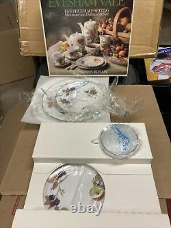 EVESHAM VALE By Royal Worcester 5 Piece Place Setting NEW In Original Box
