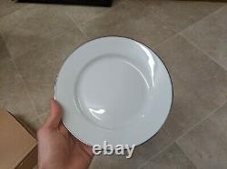 NEW Royal Worcester CLASSIC PLATINUM x20 Piece White Dinner Set Porcelain China