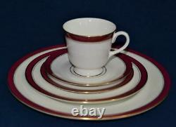 New ROYAL WORCESTER England Gold Trim Ruby Rim HOWARD 5 Pc Place Settings