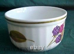 ROYAL WORCESTER china EVESHAM GOLD 80-piece SET SERVICE for 12 with 8 Soup Bowls