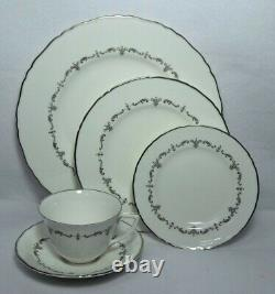ROYAL WORCESTER china SILVER CHANTILLY 65-piece SET SERVICE for 13