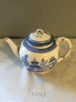 Royal Worcester 5 Piece Blue Willow Tea Set Pot, Sugar, Creamer & 17.5 Platter