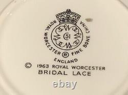 Royal Worcester Bridal Lace Fruit Dessert Sauce Berry Bowls Set of 11 5 1/8 D