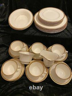 Royal Worcester COVENTRY Tea And Part Dinner Set
