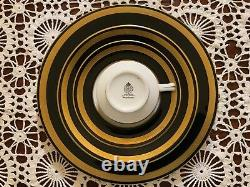 Royal Worcester Dinnerware 113 PC/ 5 Piece Place Setting Service for 20