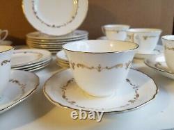 Royal Worcester Fine Bone China England 32pc Luncheon/Tea Set GOLD CHANTILLY