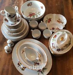 Royal Worcester Fine Porcelain Evesham 1961 40 Piece Lot Dishes Plates Cups