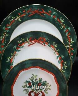 Royal Worcester HOLLY RIBBONS GREEN 5 Piece Place Setting