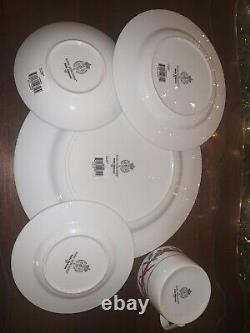 Royal Worcester Holly Ribbons 5-Pc Place Setting. Hard To Find! Made In Taiwan