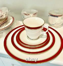 Royal Worcester Howard Ruby Fine English Bone China 5 pc setting Service for 4