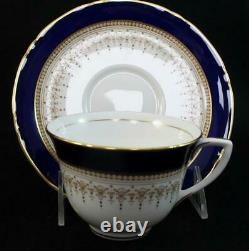 Royal Worcester REGENCY BLUE (WHITE) 5-Piece Place Setting GREAT CONDITION