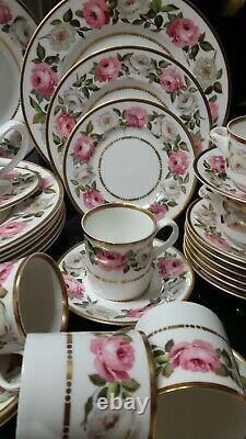 Royal Worcester Royal Garden Dinner Set/ Service for 8