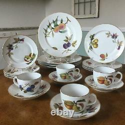 Set of 4 Royal Worcester EVESHAM GOLD 5 Piece Place Setting 20 Pieces