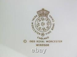 Superb Royal Worcester Windsor Dinner Service Set. 8 place setting. Plates Bowls